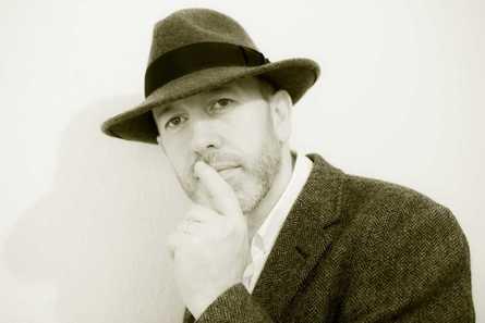 Gerry Tully Sings Leonard Cohen