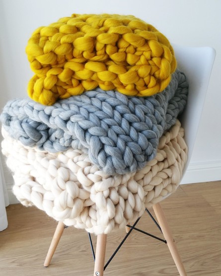 Arm Knitting- Blanket