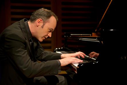Droichead Arts Centre -            DCM: Leon McCawley (piano)