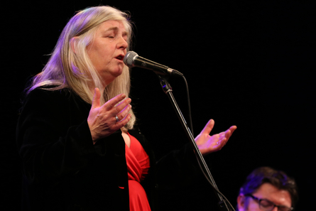 Droichead Arts Centre -            Traditional Singing Programme with Niamh Parsons
