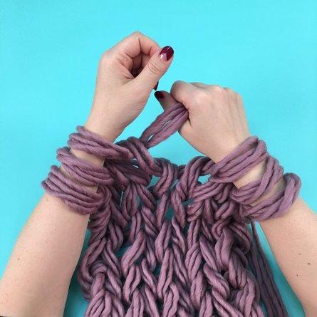 Arm Knitting- Blanket