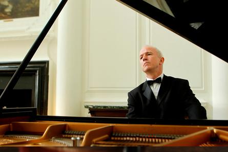 Droichead Arts Centre -            DCM: Hugh Tinney | Piano